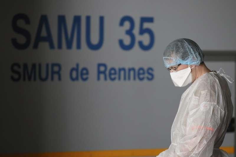 新冠肺炎疫情侵襲法國,醫療體系不堪重負(AP)