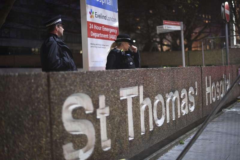 英國首相強森罹患新冠肺炎,住進倫敦聖湯瑪斯醫院(St Thomas' Hospital)(AP)