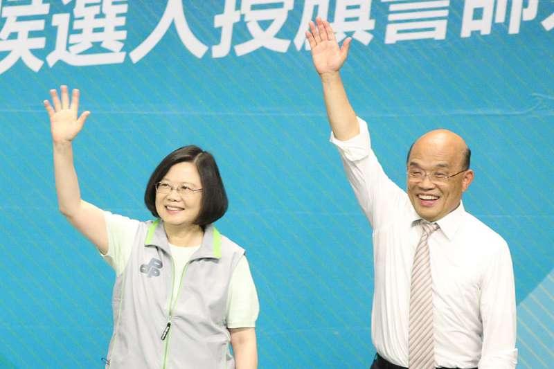 綠營高層說,蔡英文(左)、蘇真昌(右)兩人已經超越競爭者的關係了。(柯承惠攝)