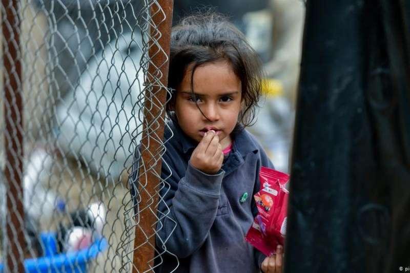 三月份時,曾有10個歐盟國家表示願從人滿為患的希臘難民營中接收1600名無成年人陪伴的兒童。現在,這10國中只剩下盧森堡和德國。(DW)