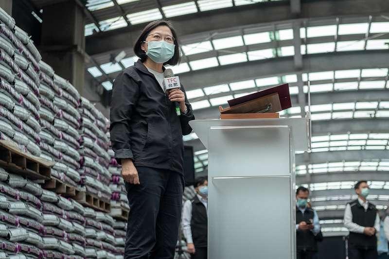 總統蔡英文(見圖)今(10)日向農民保證,肥料一定會有足夠的供貨,希望農民不要囤積。(資料照, 總統府提供)