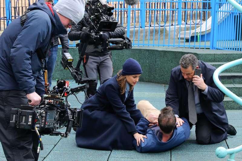 CBS 劇集「執法尊家」(Blue Bloods)3 月 6 日在紐約拍攝的情況。(圖片來源:Jose Perez/Bauer-Griffin/GC Images|cup提供)