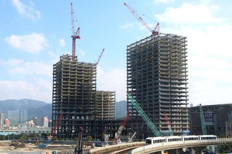 觀察北台灣建案,台北市、新北市銷售中建案數量均減少。(林瑞慶攝)