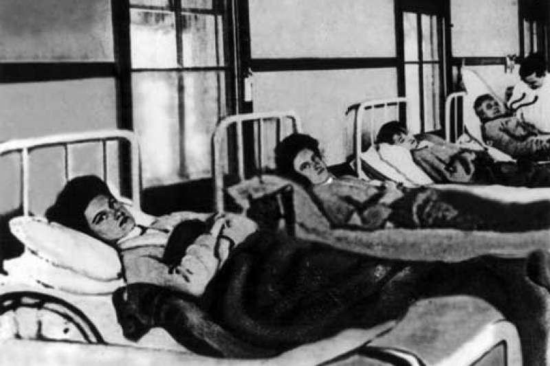 美國史上首位無症狀傷寒帶原者瑪莉・馬龍,人稱「傷寒瑪莉」。圖為她第一次住院接受隔離。(維基百科公有領域)