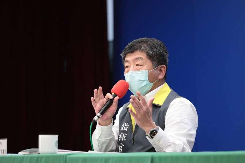 筆者認為中央流行疫情指揮中心指揮官陳時中(見圖)應當適時放鬆防疫力度,讓經濟有復甦的可能。(資料照,指揮中心提供)