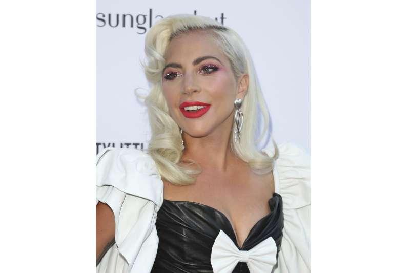 """女神卡卡(Lady Gaga)(見圖)的代表作""""Bad Romance""""是最常出現在當代年輕人的耳重。(資料照,美聯社)"""