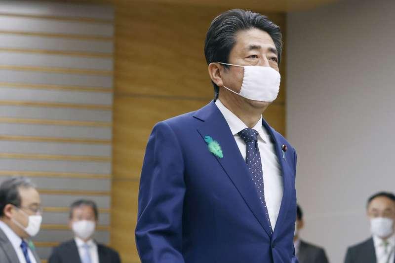 2020年,日本首相安倍晉三力抗新冠肺炎疫情(AP)
