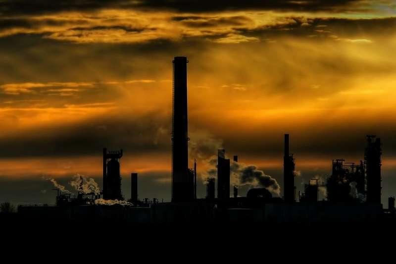 原油相關衍生性金融產品到底該怎麼買?(圖: flickr)