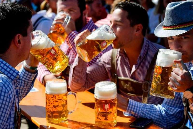 德國在新冠疫情期間還能舉辦啤酒節?答案是不能。今年的慕尼黑啤酒節原定於9月19日開幕,而巴伐利亞州周二宣布:不辦了。(圖/德國之聲)