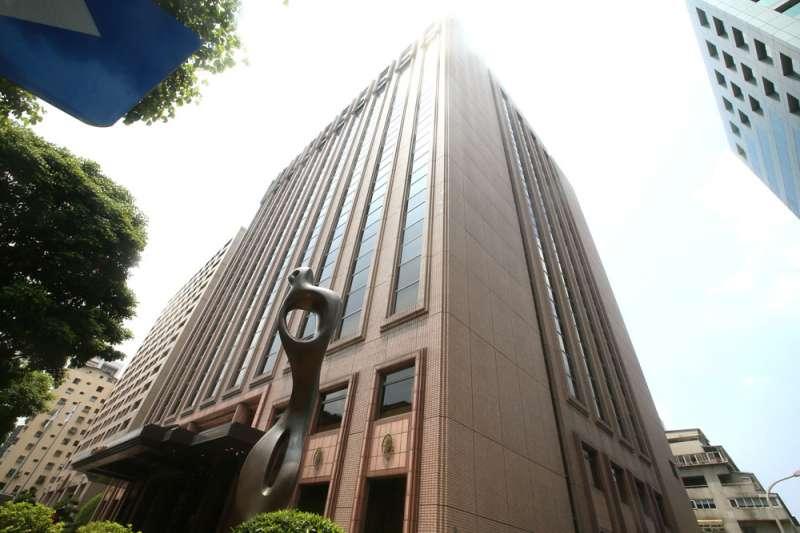有30年歷史的台北西華飯店暫無停業計畫,但公告店內部分餐廳將進行維護保養。(柯承惠攝)
