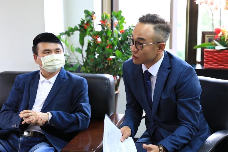 君漾廣告副理陳逸軒表示,以新北林口區銷售現況為例,接待中心全部必設置防疫關卡。(圖/業者提供)