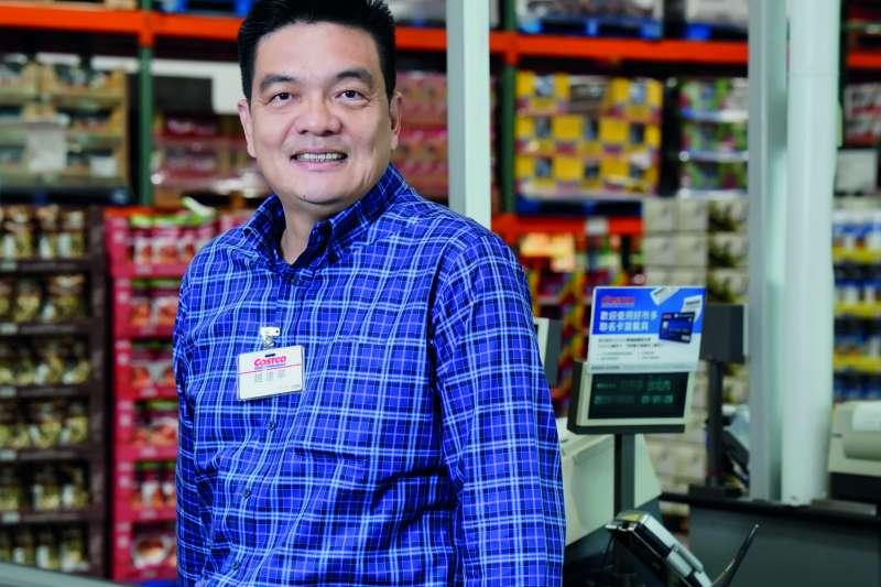 從基層開始打拼,趙建華努力堅持,爬上總經理帶領Costco。(圖:Costco Connection)