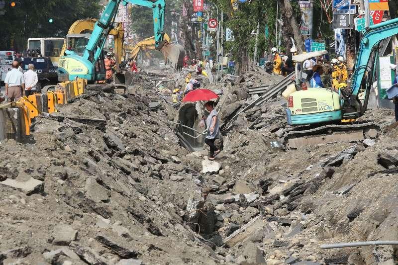 2014年高雄氣爆事故,造成32人死亡、321人受傷。(林瑞慶攝)