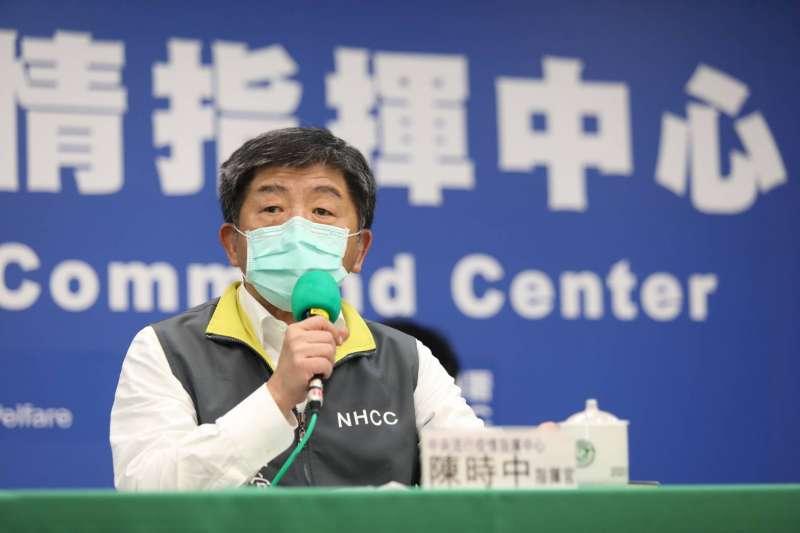 中央流行疫情指揮中心指揮官陳時中(見圖)曾說,台灣若「社區個案人數暴增」和「感染源不明者」如雨後春筍般出現時,才會考慮進行普篩。(資料照,指揮中心提供)