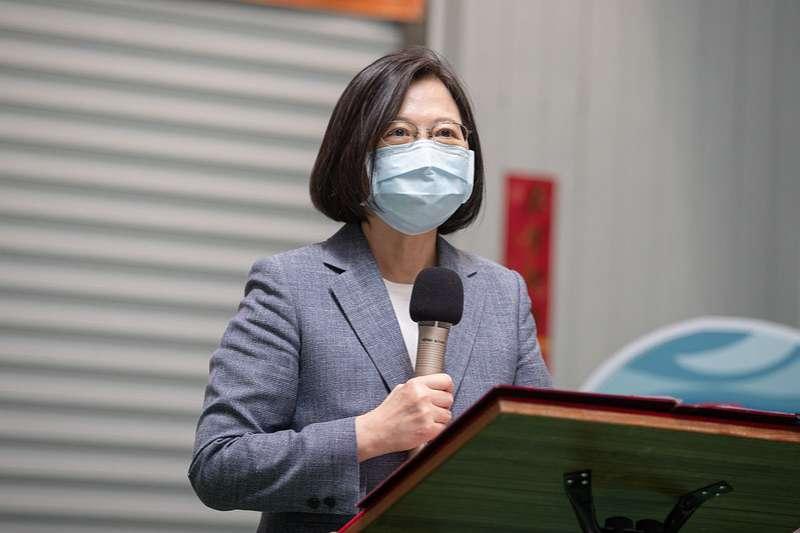 20200428-總統蔡英文28日上午前往訪視台中精呈科技股份有限公司,並在會中致詞。(取自總統府網站)
