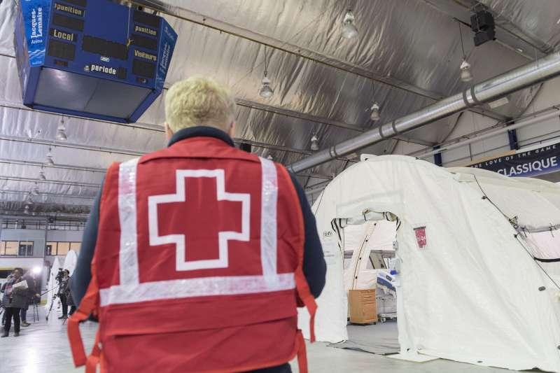 加拿大紅十字會志工(AP)