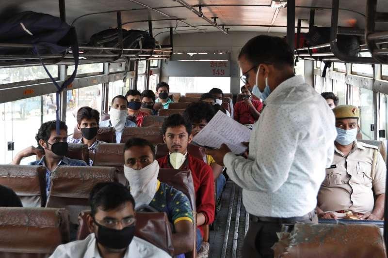 新冠肺炎疫情肆虐,印度祭出嚴格封鎖令(AP)