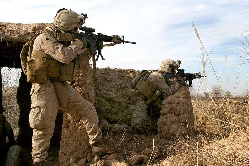 美國海軍陸戰隊員在阿富汗赫爾曼德省中部。(US Marine Corps/維基百科公有領域)