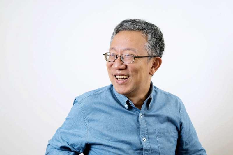 ETF佛系理財達人施昇輝44歲被迫失業靠投資股票為業,但他卻說在小孩子大學畢業前不和他們聊投資、選股,原因是甚麼呢?(資料照,施昇輝提供)