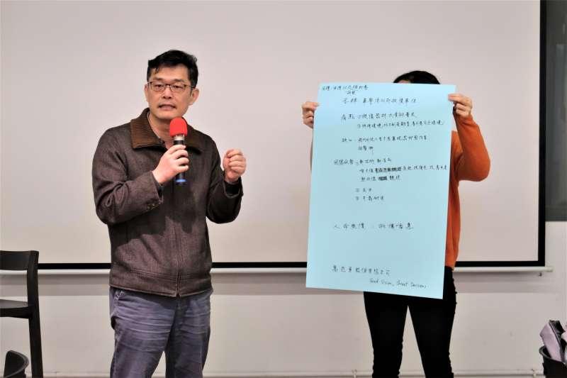 高尼亞股份有限公司執行長陳人儀,率領技術團隊研發專利特殊塗層。(圖/新創總會提供)