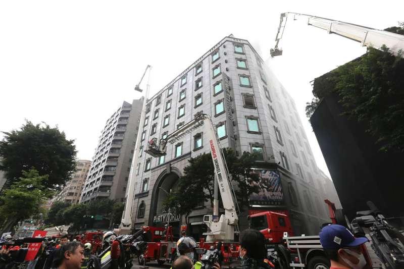 錢櫃KTV林森店日前傳出火警造成多人身亡,火災事件頻傳,民眾必須謹記五大策略,預防悲劇發生。(簡必丞攝)