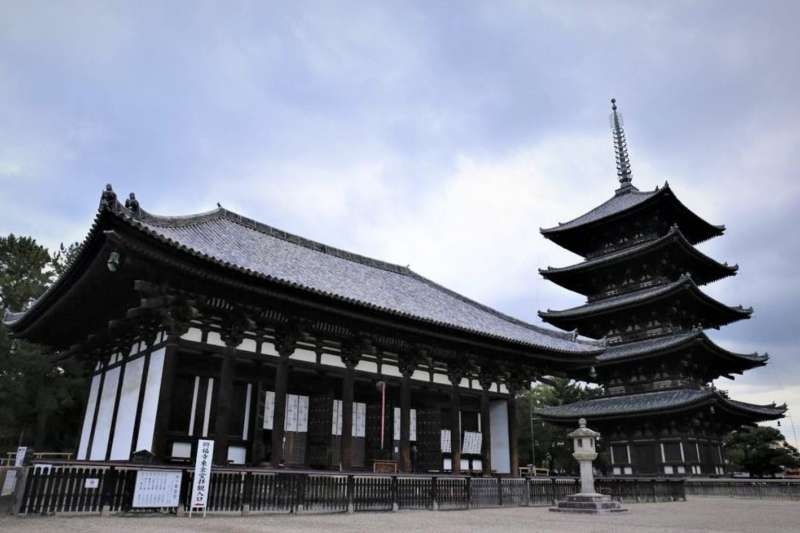 【興福寺之東金堂與五重塔】