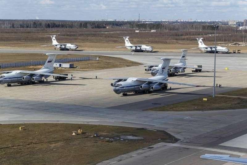 俄羅斯動員了14架Il-76支援義大利,被視為普丁改變歐洲秩序的開端。(資料照,許劍虹提供)
