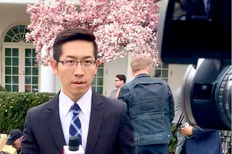 任職《上海東方衛視》的台灣籍記者張經義(見圖),被陸委會認定違反《兩岸人民關係條例》。(資料照,取自張經義之《白宮義見》臉書)
