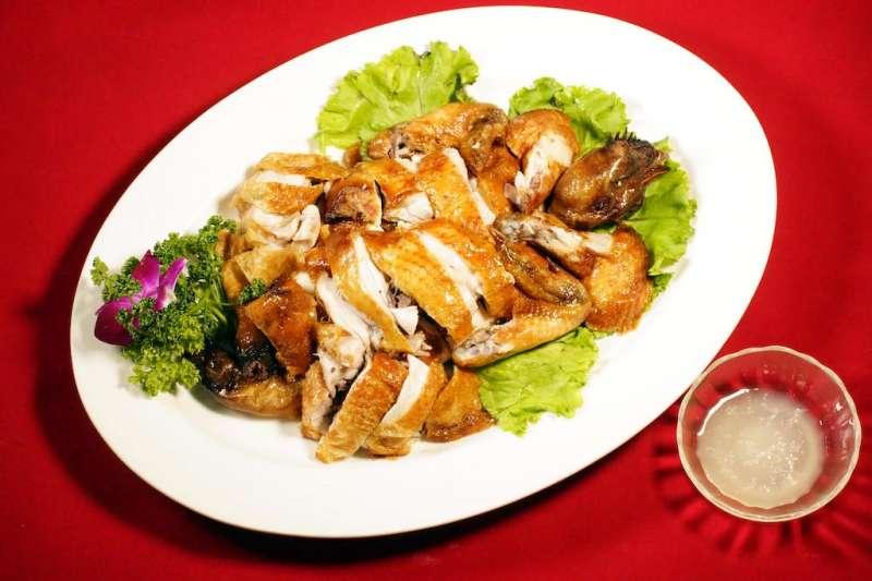 以江浙菜馳名的軍友餐廳,推出幸福家庭共享餐,讓民眾品嘗養生又美味的江浙料理。(圖/軍友餐廳提供)