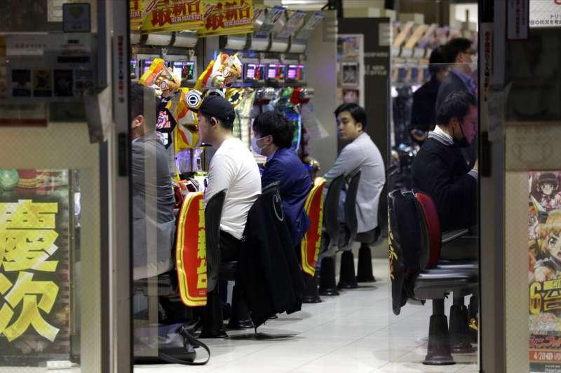 日本東京的柏青哥店。(美聯社)