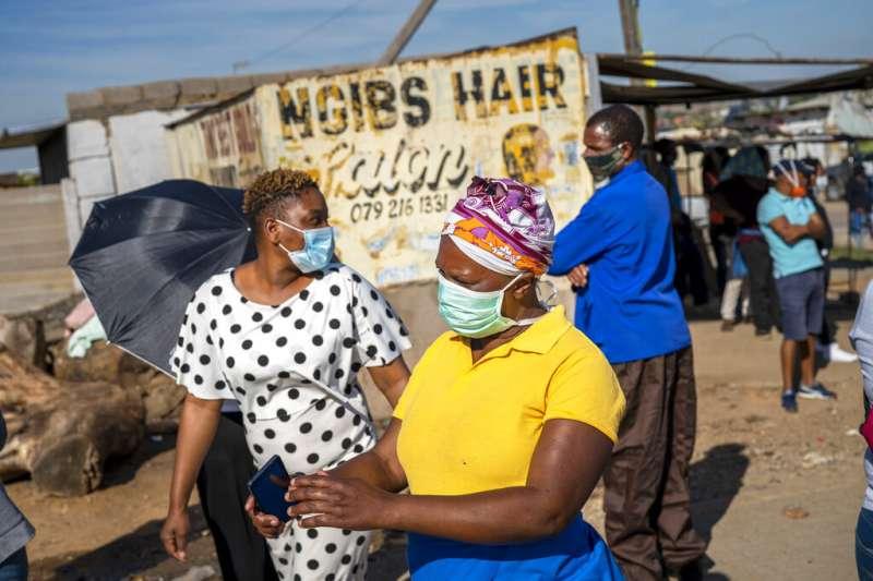 非洲許多家庭倚靠移工收入養家。(AP)