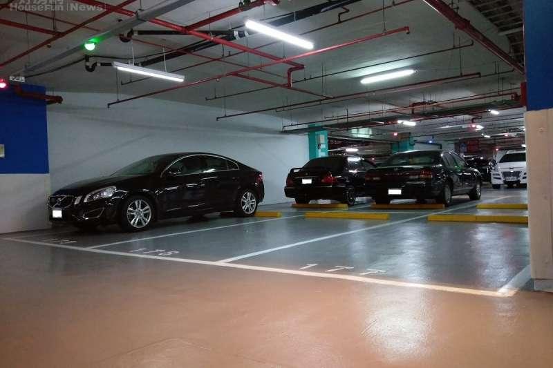 專家表示,近年來的新成屋建案停車位有過剩或閒置的狀況,所以想在社區內單獨買到車位並不困難。(好房網資料照)