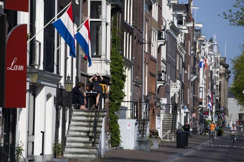 武漢肺炎疫情對各方面造成影響,荷蘭語更出現約700個與疫情相關的新詞彙(AP)