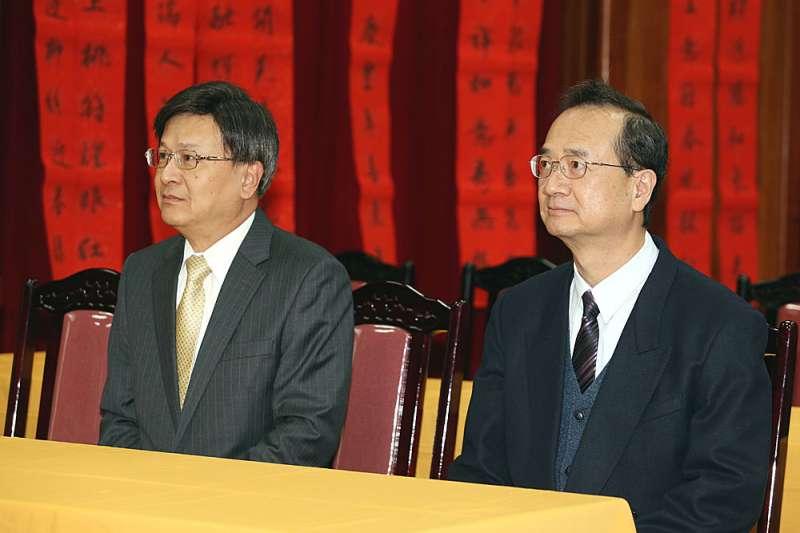 石木欽(左)自認遭誣陷,7個月來祭出各項指控炮轟許宗力(右)。(郭晉瑋攝)