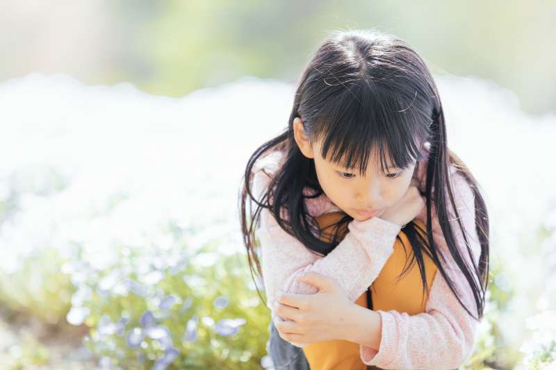 偏心的父母總是相似的,而被冷落的孩子也有各自的苦楚。(示意圖非本人/すしぱく@pakutaso)