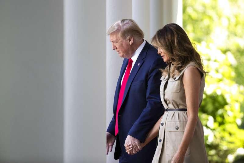 美國總統川普與第一夫人梅蘭妮亞。(美聯社)