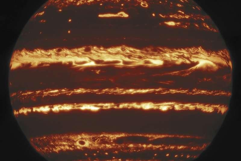 美國天文學家運用「幸運成像」技術,獲得木星最新的清晰影像(取自@GeminiObs/Twitter)