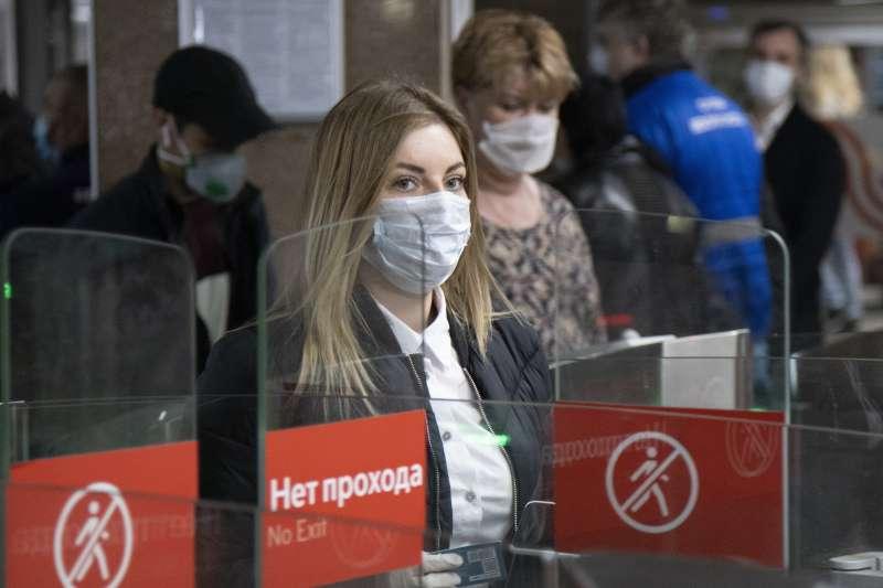 俄羅斯新冠肺炎疫情未見起色,確診案利達全球第三高,總統普京卻宣布解除營業禁令。(AP)