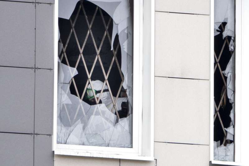 俄羅斯第二大城聖彼得堡「聖喬治醫院」加護病房12日燒起惡火。(AP)