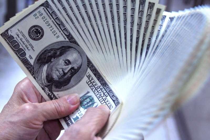 法人表示,高收債信用利差已領先違約率走揚,從危機入市的角度來看,中長期進場點已經浮現。(資料照,林瑞慶攝)