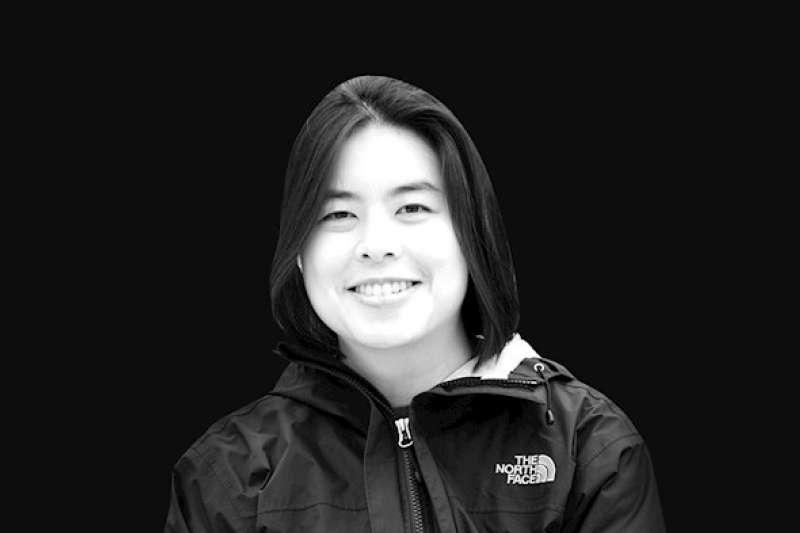 美國基督教「航空宣教使團」(MAF)台裔美籍機師喬伊斯林12日在運送新冠肺炎(武漢肺炎)防疫物資到印尼偏遠村莊時,不幸墜機身亡,享年40歲。(截自MAF官網)