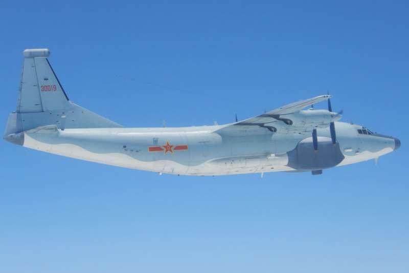 解放軍運-8型軍機於5月8日短暫入侵我西南方防空識別區,後遭驅離。(國防部提供)