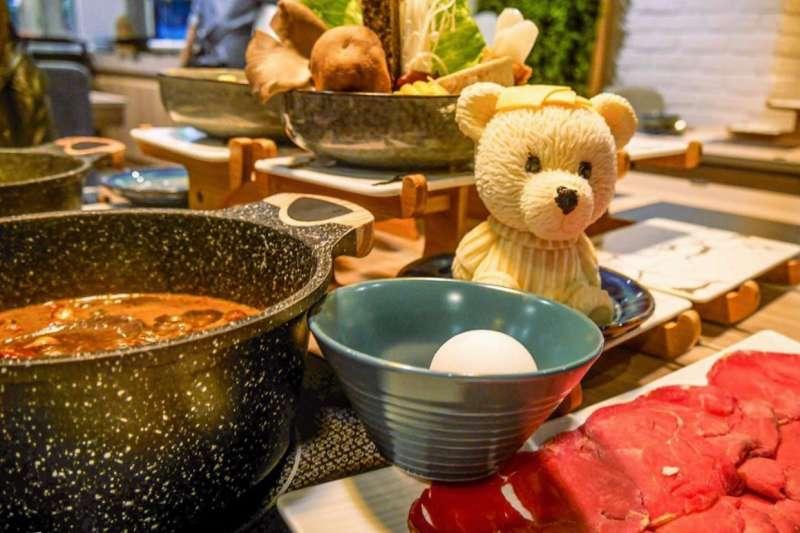 你可能覺得在寸土寸金的台北,吃到飽一定需要花大錢吧?這篇文就要打破你這個刻板印象囉。(圖/台灣旅行小幫手提供)
