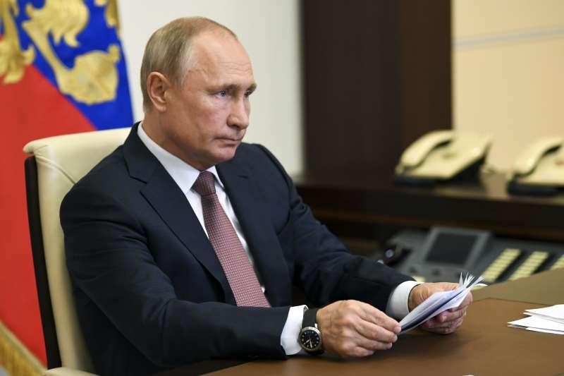 俄羅斯累計確診新冠肺炎病例高居全球第二,總統普京以視訊方式致詞。(美聯社)