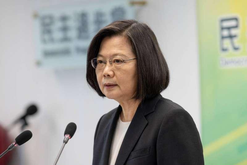 總統蔡英文(見圖)目前考慮停止適用《香港澳門關係條例》,筆者認為如此既沒有幫助港人,反而傷害港人的心。(資料照,民進黨提供)