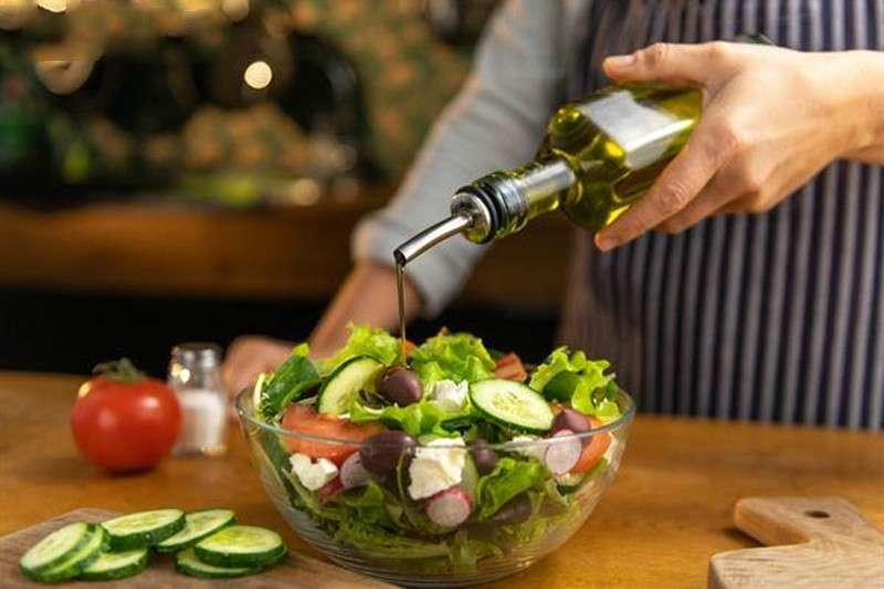 每天半匙橄欖油能預防心血管疾病?營養專家:別傻了!