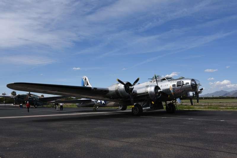 維持在可飛行狀態的波音B-17G飛行堡壘轟炸機,為紀念空軍亞利桑那博物館的鎮館之寶,為二戰期間美國陸軍航空軍轟炸歐洲大陸的主力機種。(許劍虹提供)