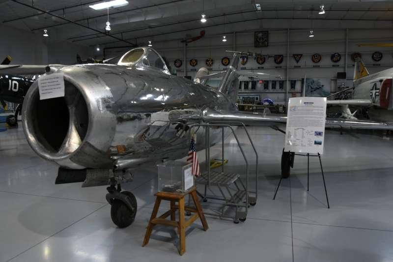 紀念空軍亞利桑那博物館雖然立場保守,但是在這裡還是可以看到韓戰時代共產陣營的代表性機種MiG-15bis。(許劍虹提供)
