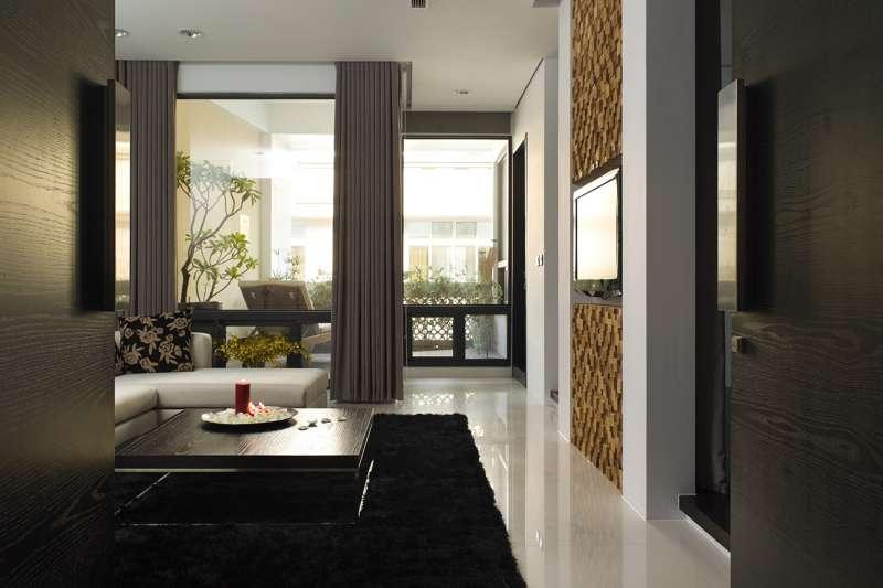 豐聚室內設計技巧性釋出房間面積,靈活發揮坪效也讓狹長透天厝採光更好(圖/豐聚室內設計提供)