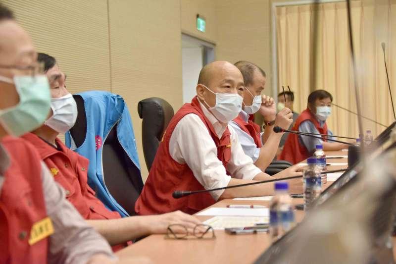 面對豪雨來襲,高雄市長韓國瑜(見圖)今(22)日下午親自坐鎮豪雨應變中心。(資料照,高雄市政府提供)